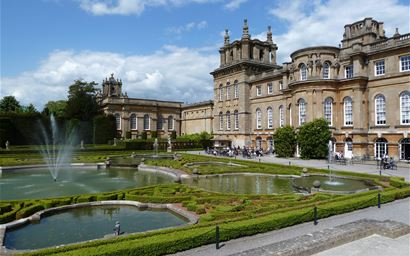 Outside view of Blenheim Palace