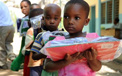 African children receiving care packages
