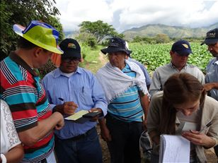 Training on how to use pesticides in Colombia