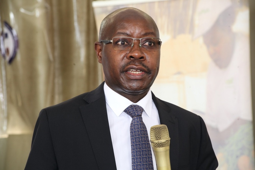 Mr. Pius Wakabi Kasaijja, The Permanent Secretary, Ministry of Agriculture, Animal Industry and Fisheries (MAAIF) speaking at the launch-image copyright CABI