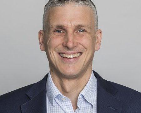 Dr Daniel Elger